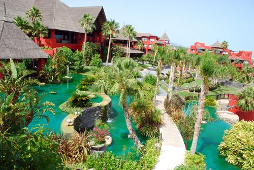 Hoteles con animaci n en almer a valencia murcia y alicante for Hoteles con piscina en almeria