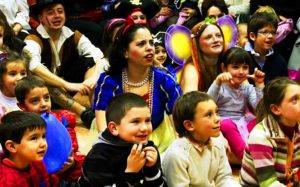 Fiestas infantiles incendian Valencia