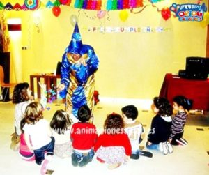 Entretener a ninos en una fiesta infantil