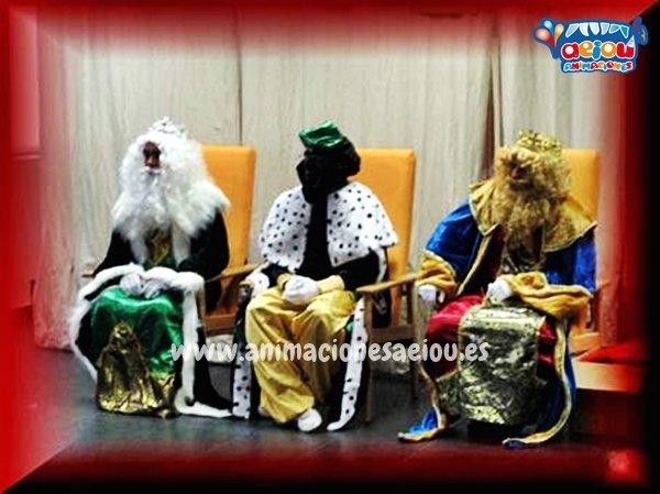 Los Reyes Magos en navidad para contratar su visita a domicilio
