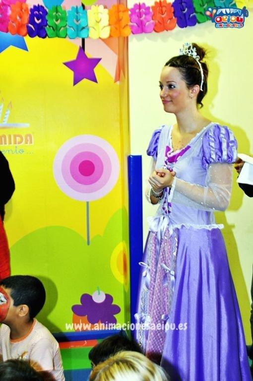 Fiestas de cumpleaños infantiles temáticas de princesas en Almería